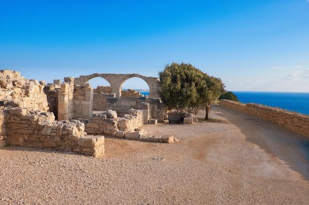 Restos arqueológicos de kourion em chipre