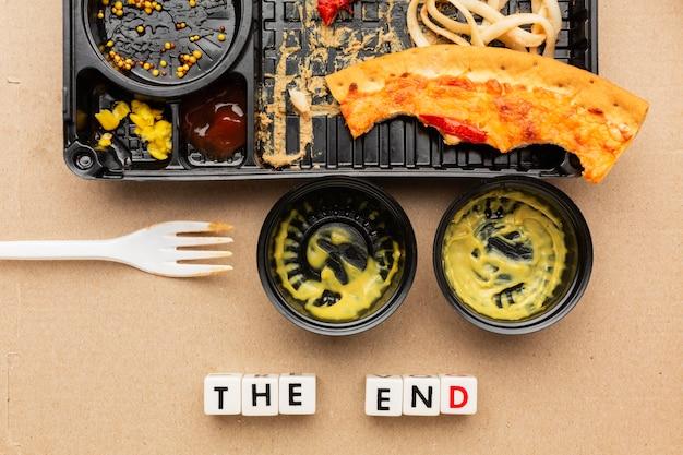 Restos de comida de pizza a citação final