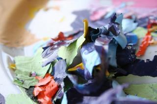 Restos de pintura descascada,