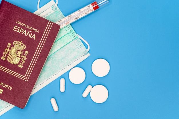 Restrição de viagem na espanha. cancele a viagem planejada para a espanha ou a restrição ao conceito de viajantes espanhóis devido à disseminação da infecção por coronavírus. quarentena da pandemia de covid-19