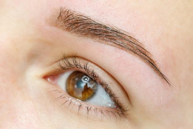 Resultado de tatuagem permanente de sobrancelhas