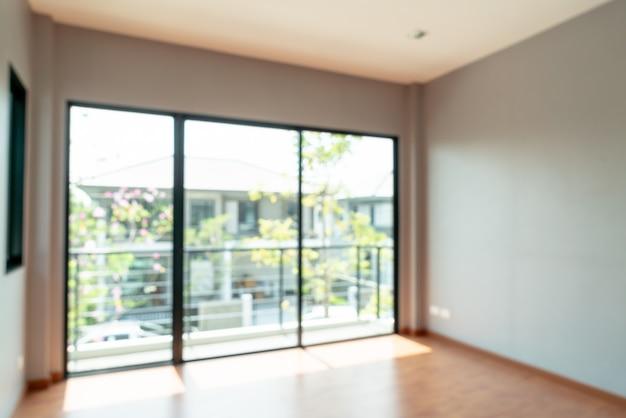 Resumo blur sala vazia com janela e porta em casa