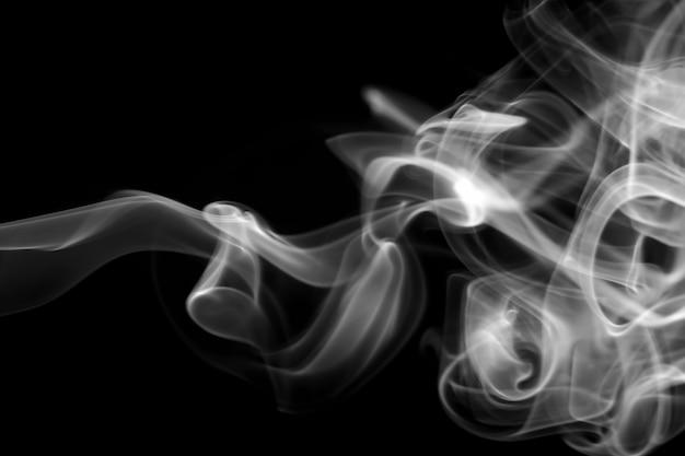 Resumo de fumaça branca em preto, fogo