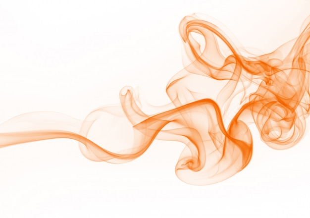 Resumo de fumaça laranja em fundo branco, movimento da água de tinta