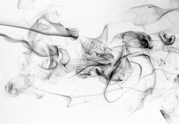 Resumo de fumaça preta sobre fundo branco, movimento da água de tinta