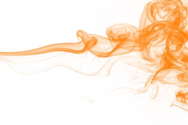 Resumo de fumo amarelo sobre fundo branco, água de tinta