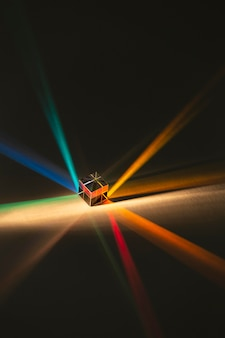 Resumo de prisma de alta vista com raios