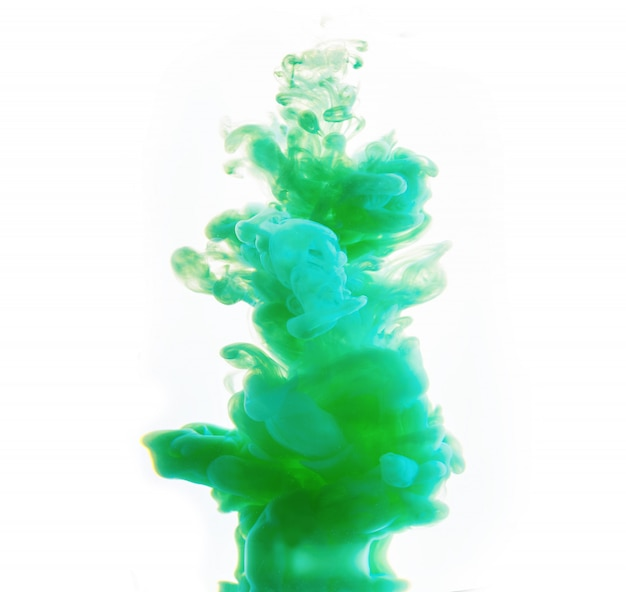 Resumo formado por cor dissolvendo-se em água