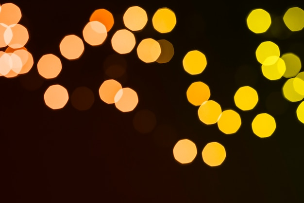 Resumo luzes no quarto escuro