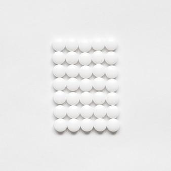 Retângulo branco de comprimidos