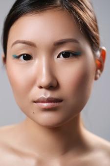 Retrato da beleza de uma mulher