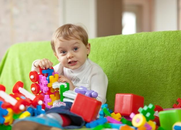 Retrato de 3 anos de criança