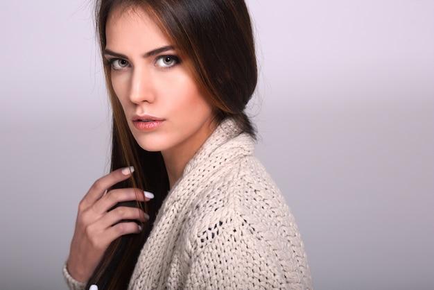 Retrato, de, a, bonito, mulher jovem
