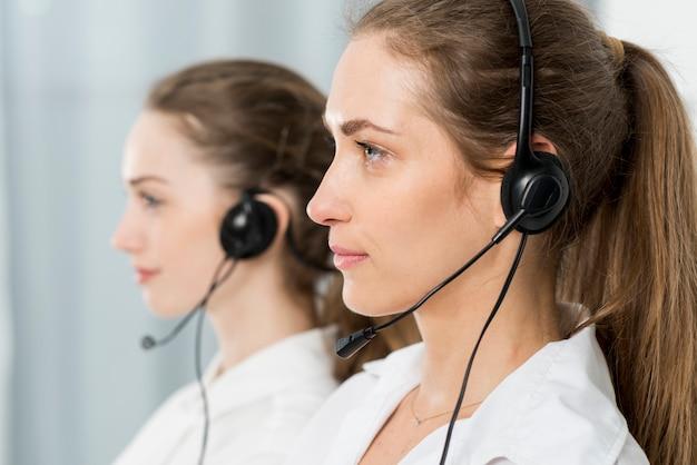 Retrato de agentes do call center