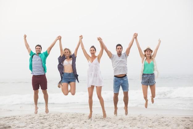 Retrato, de, amigos, segurar passa, e, pular praia