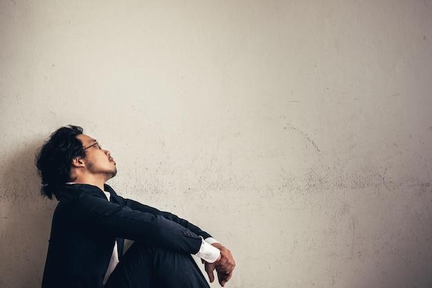 Retrato, de, asiático, homem negócios, cansado, de, trabalho