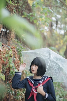 Retrato, de, asiático, menina escola, andar