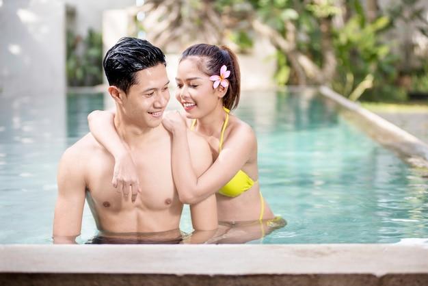Retrato, de, asiático, par, desfrute, relaxante, tempo