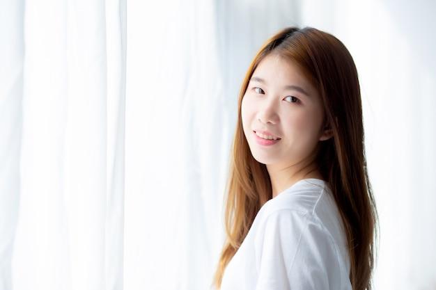 Retrato, de, bonito, mulher asian, ficar, a, janela