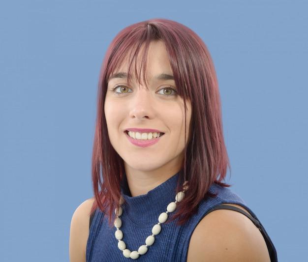 Retrato, de, bonito, mulher jovem, com, vermelho, cabelos