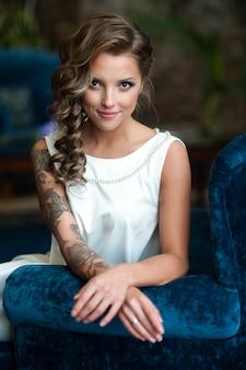 Retrato, de, bonito, noiva, com, um, tatuagem
