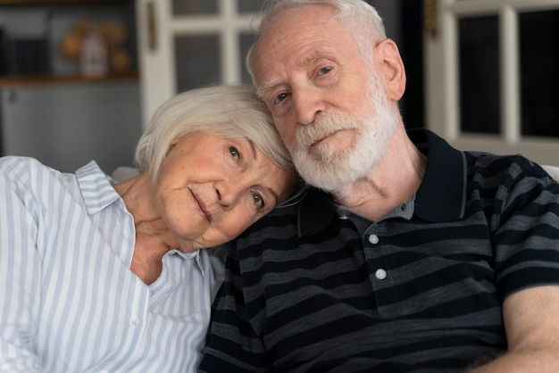 Retrato de casal idoso com alzeihmer