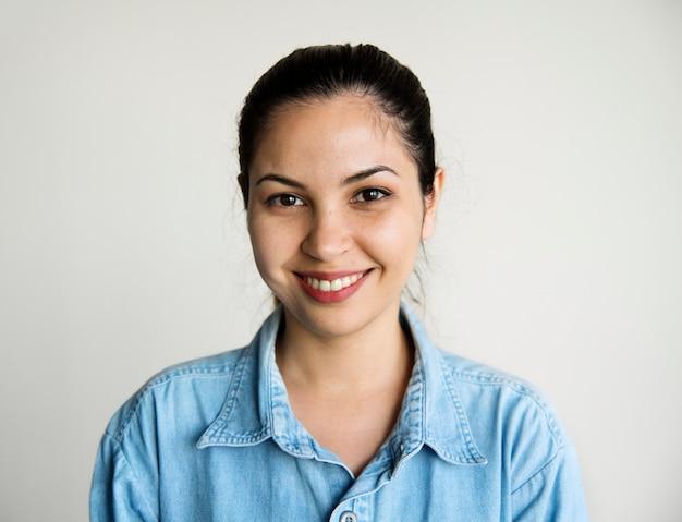 Retrato, de, caucasiano, mulher sorri