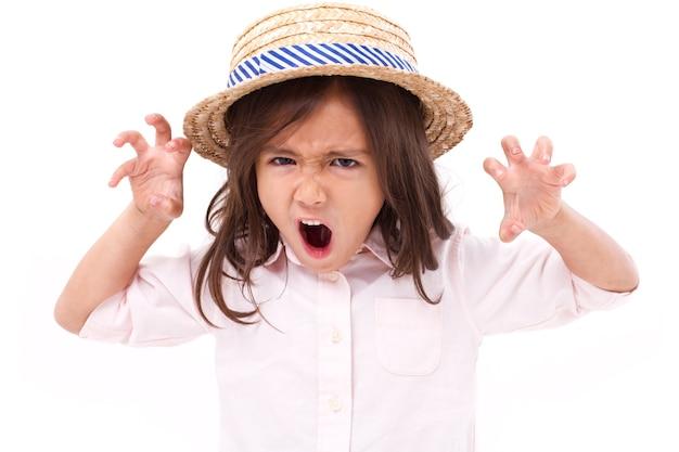 Retrato de chateado, com raiva, desagradada garotinha