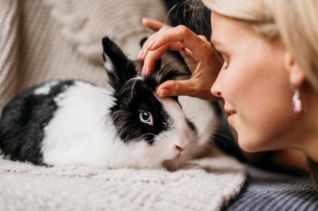 Retrato de coelho adorável