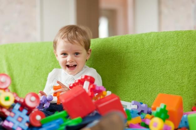 Retrato de criança de três anos