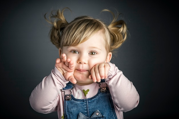 Retrato de criança feminina