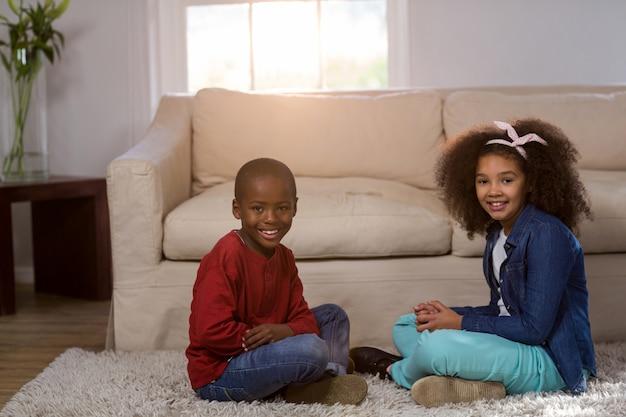 Retrato de crianças sorrindo
