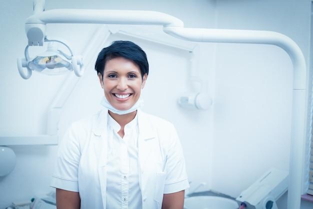 Retrato de dentista feminino