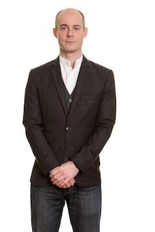 Retrato de empresário caucasiano careca formal usando terno