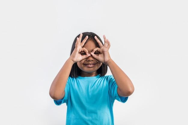 Retrato, de, engraçado, menininha, atuando, em, tiro estúdio