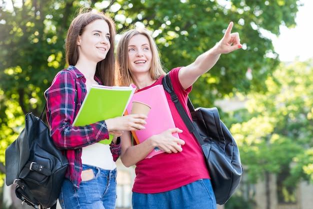 Retrato, de, escola, meninas, com, livros, parque