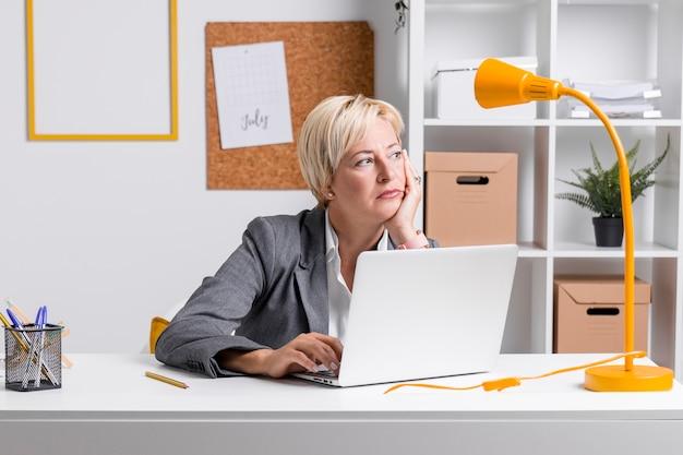 Retrato, de, executiva, escrivaninha