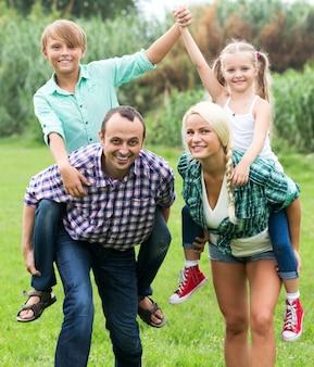 Retrato de família com filhos