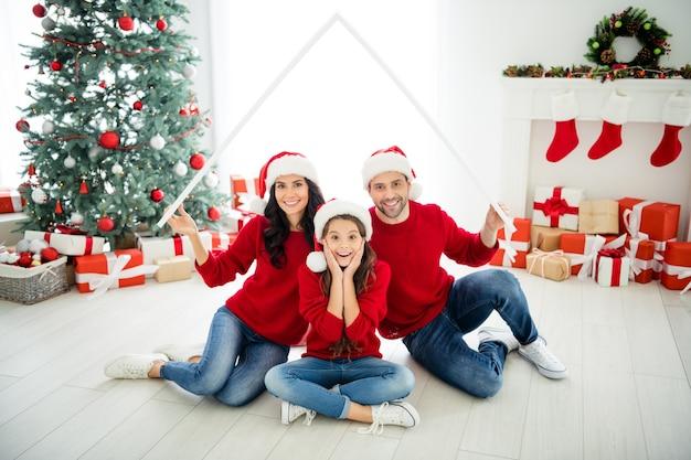 Retrato de família no dia de natal