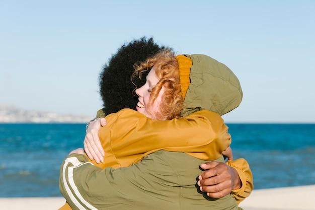 Retrato, de, grupo amigos, pela praia