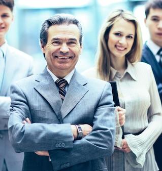 Retrato de grupo de uma equipe profissional de negócios