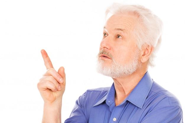 Retrato de homem idoso bonito