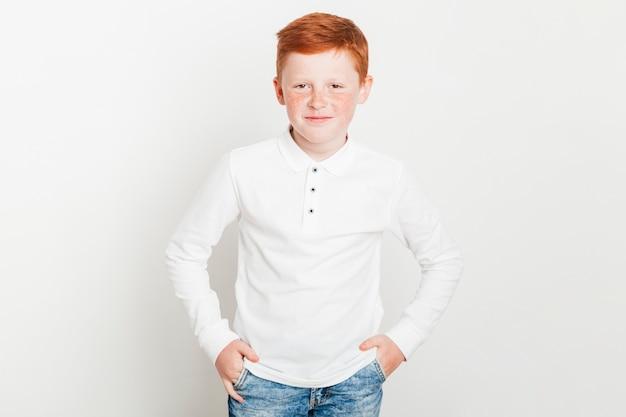 Retrato, de, jovem, gengibre, menino