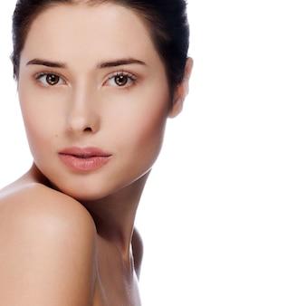 Retrato, de, jovem, mulher bonita, com, pele saudável