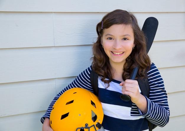 Retrato de linda menina adolescente sorrindo