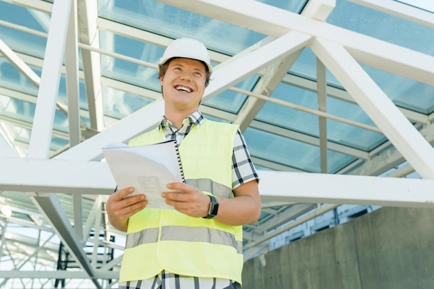 Retrato, de, macho, engenheiro, em, local construção