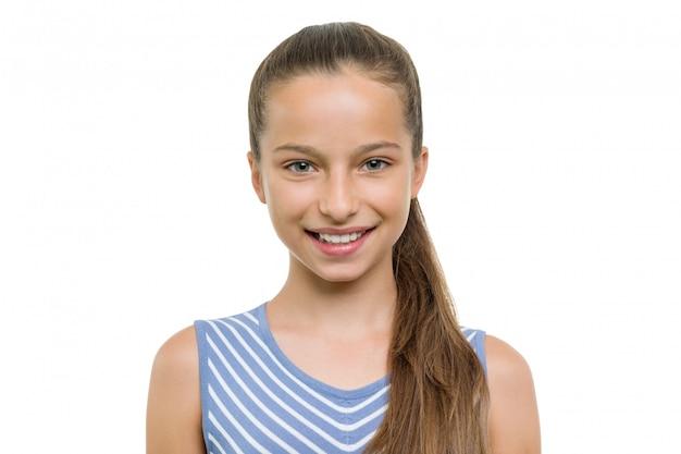 Retrato de menina bonita de dez anos de idade