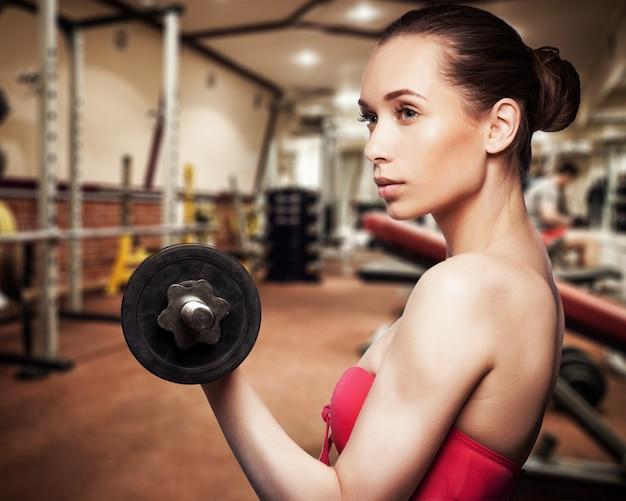 Retrato, de, menina bonita, treinamento, em, ginásio