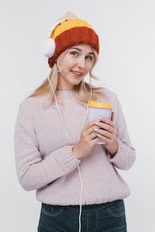 Retrato de menina com fones de ouvido