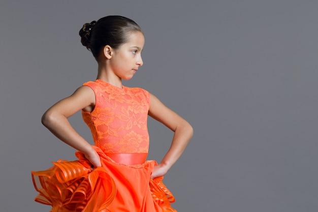 Retrato, de, menina, criança, dez anos velho, dançarino
